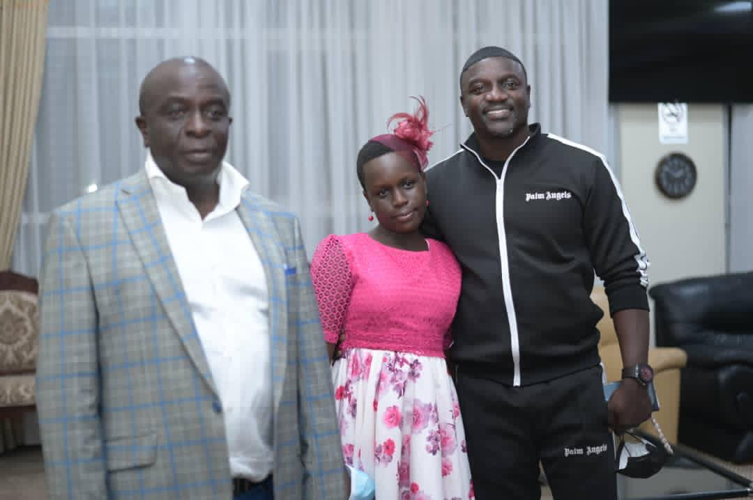 Singer Akon Arrives In Uganda For Business And Energy Investment Meetings With President Museveni And Other Local Leaders. 5